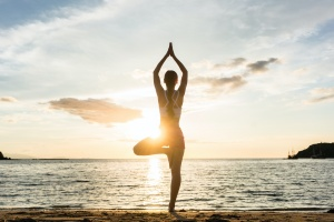 women knowing the physical benefits of yoga