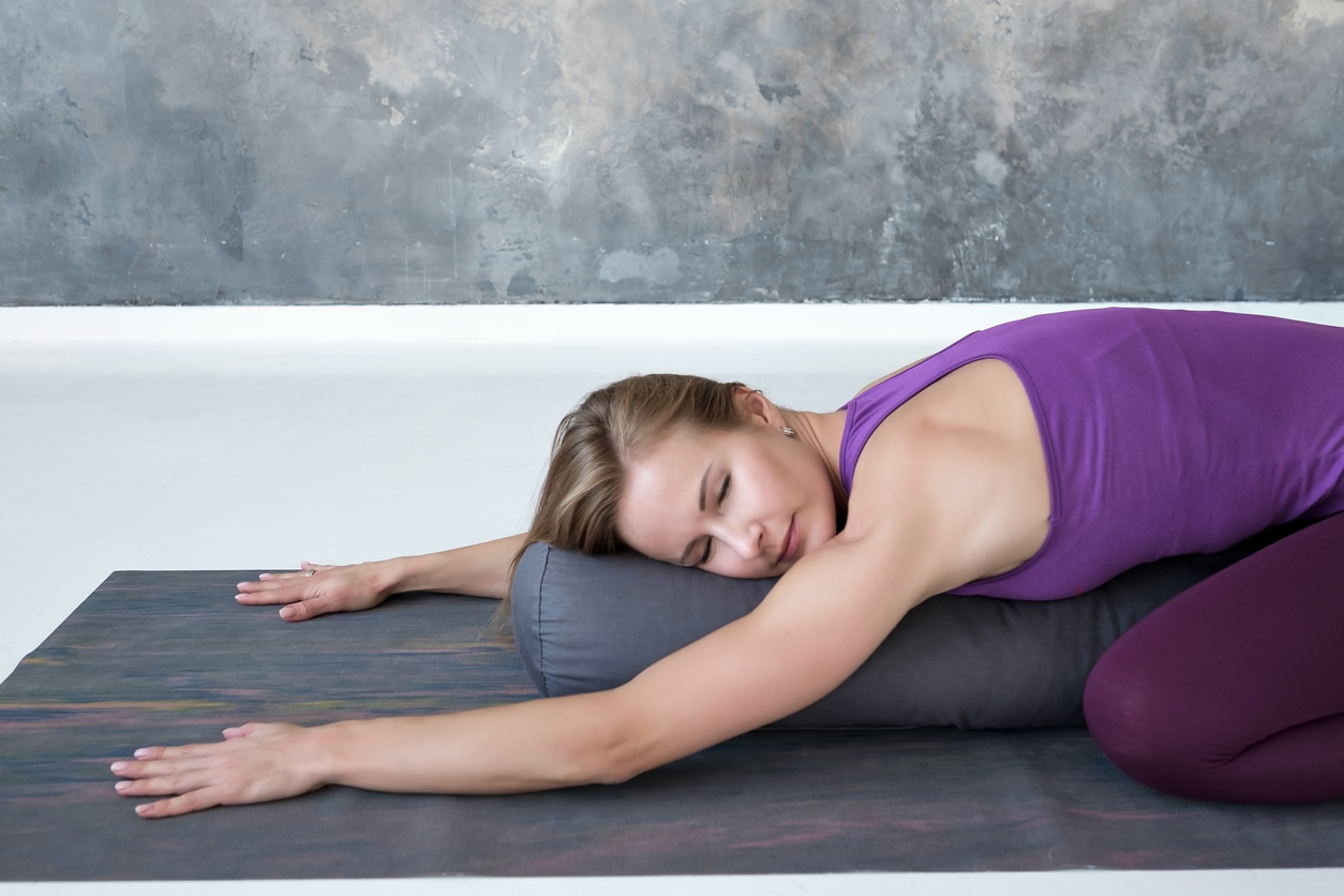 The Difference Between Yin and Restorative Yoga