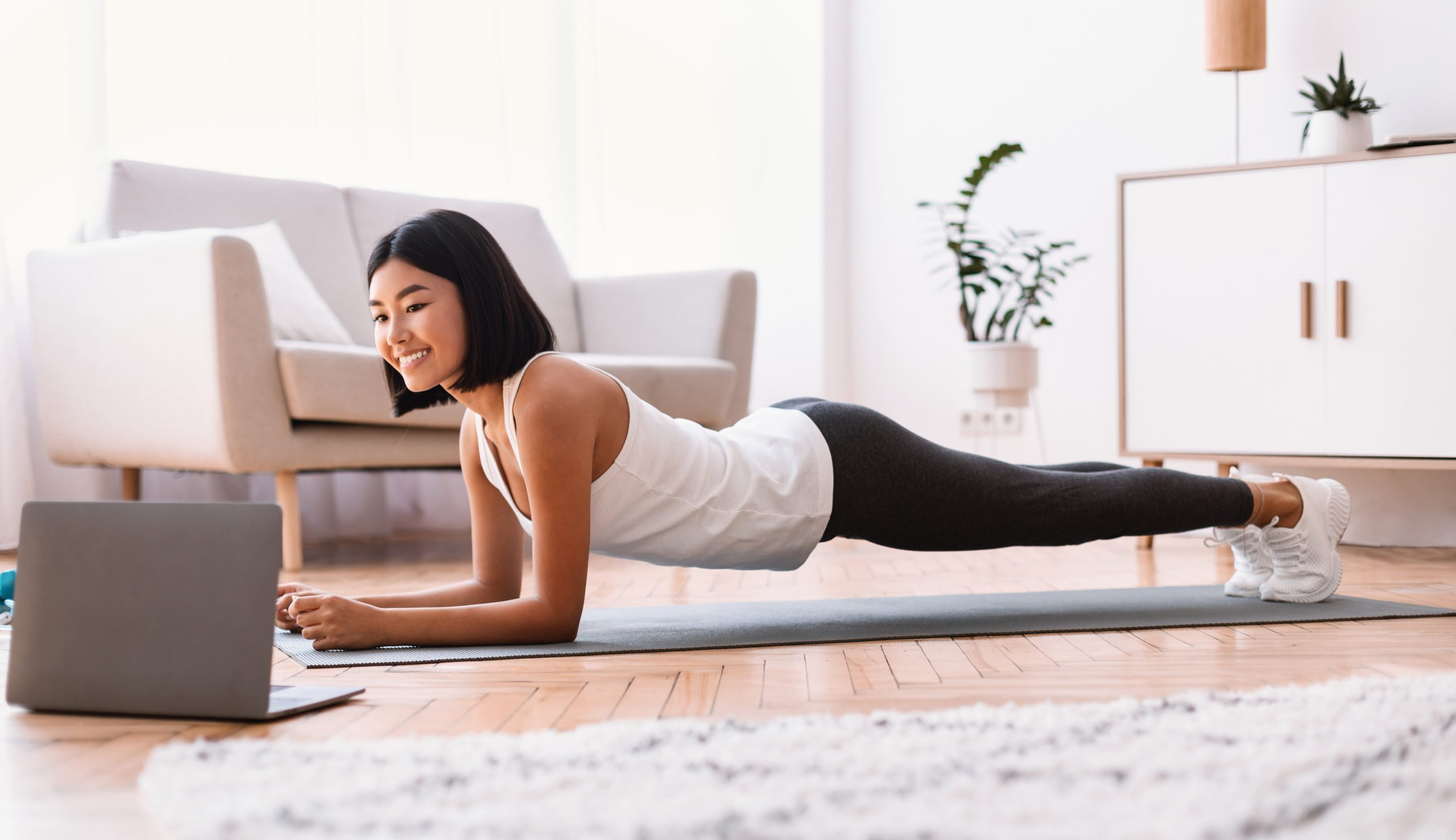 7 Reasons to Do Your Yoga Teacher Training Online